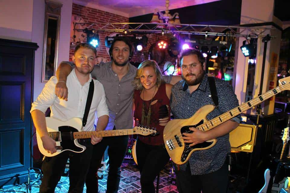 Mansfield Avenue - Tipi Band that will get your dance floor filled
