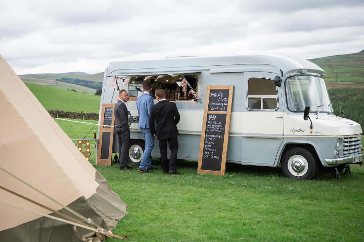 Hoban & Son's HY Van mobile bar at a Sami Tipi Wedding