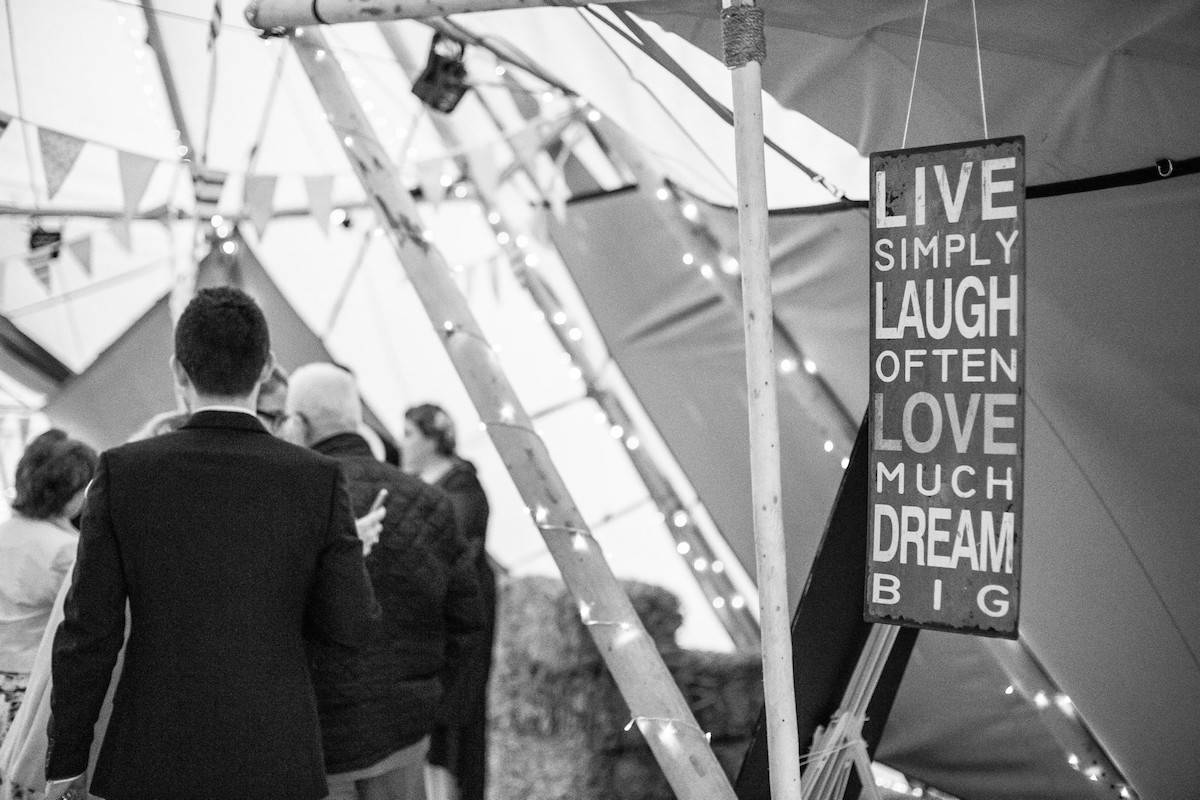 Sami Tipi Wedding Quote Live, Simply, Laugh Often, Love Muchly, Dream Big
