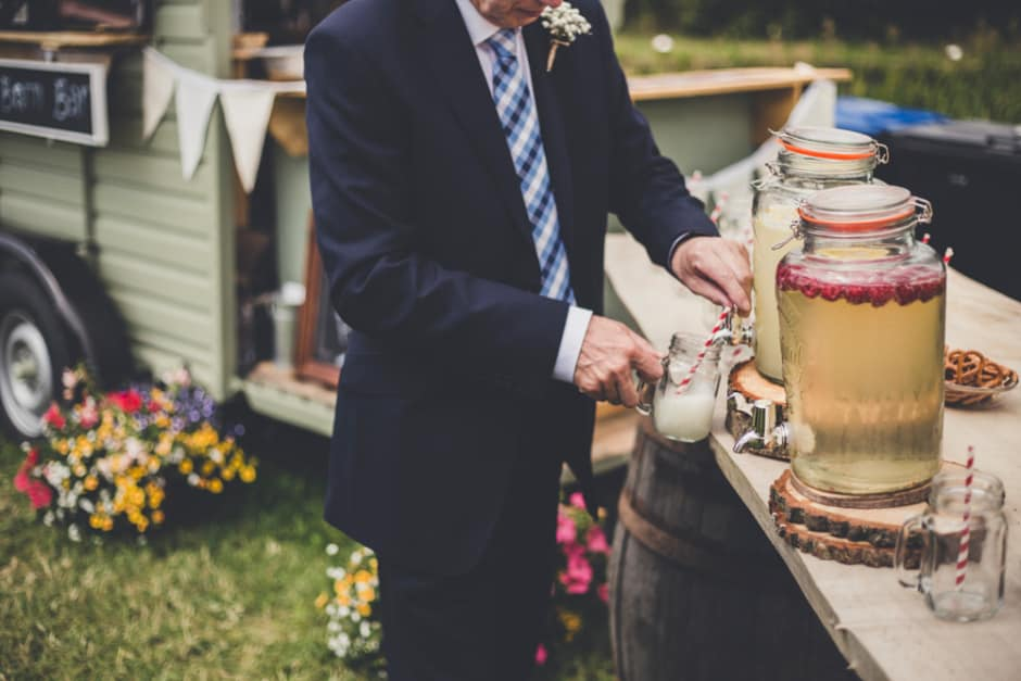 Sami Tipi Wedding - Arrival Drinks captured by Amy Shore Photography