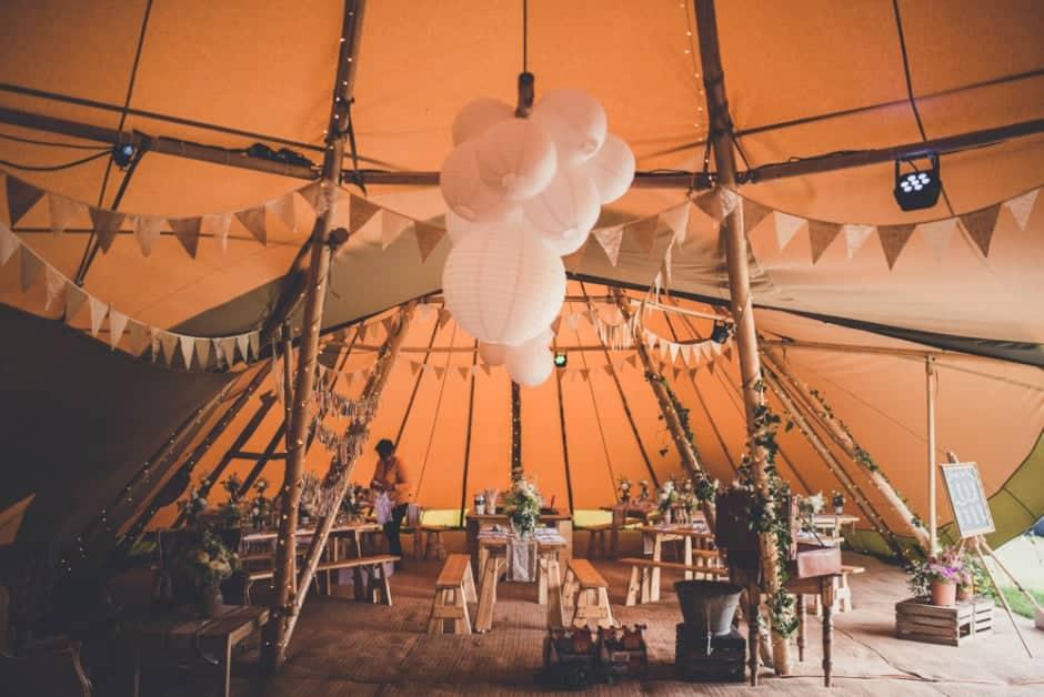 Sami Tipi Wedding by Amy Shore Photography 9