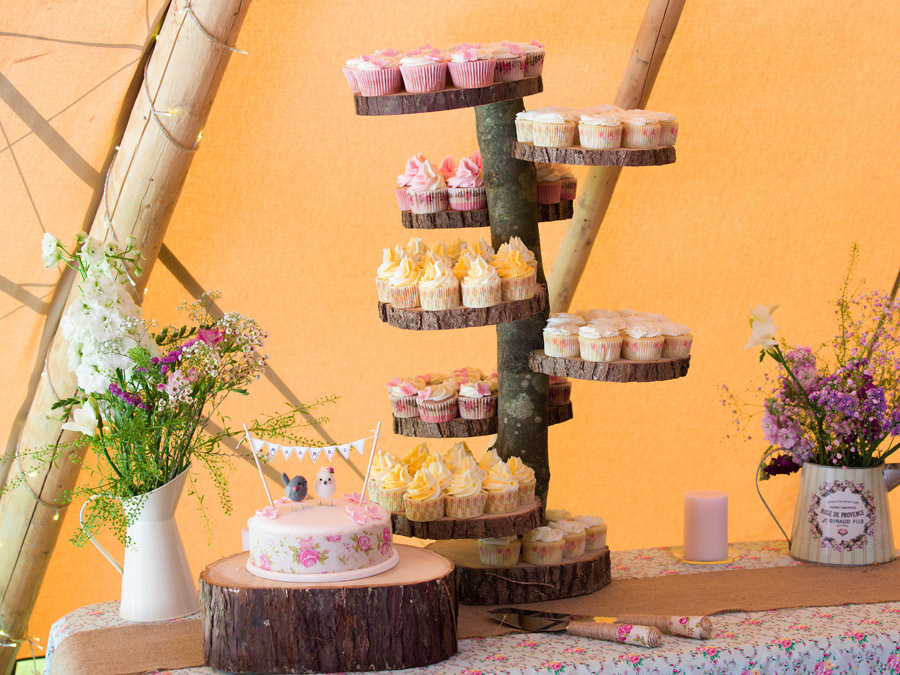 Log cake stand for Bodenham Arboretum Teepee Wedding by Sami tipi