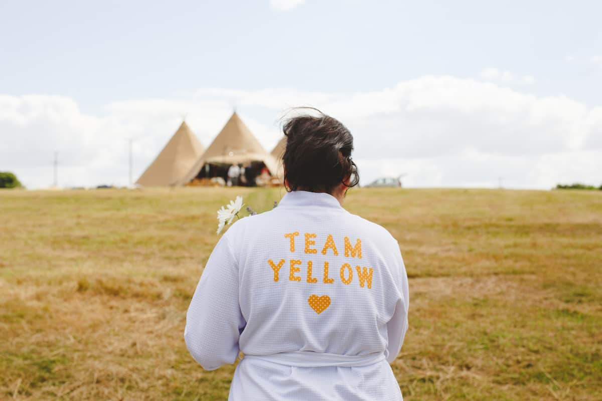 Team yellow getting ready - Sami Tipi Wedding Captured by Camera Hannah