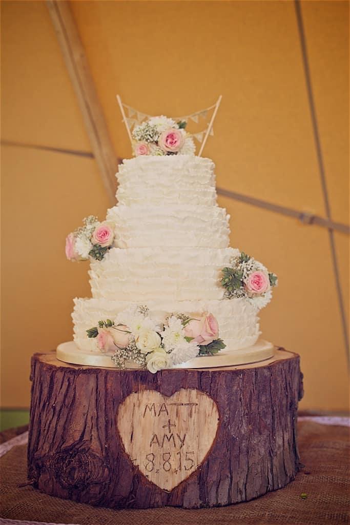 Wedding Cake - Sami Tipi Wedding captured by Shoot it Momma