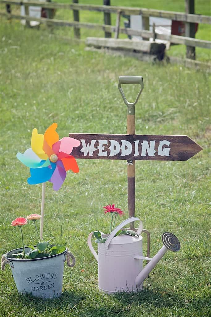DIY Wedding Sign - Sami Tipi Wedding captured by Shoot it Momma