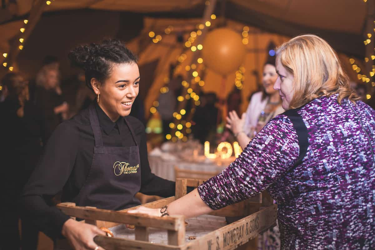 Relaxed wedding catering by Thomas The Caterer - Sami Tipi Starlight Social captured by Christopher Terry