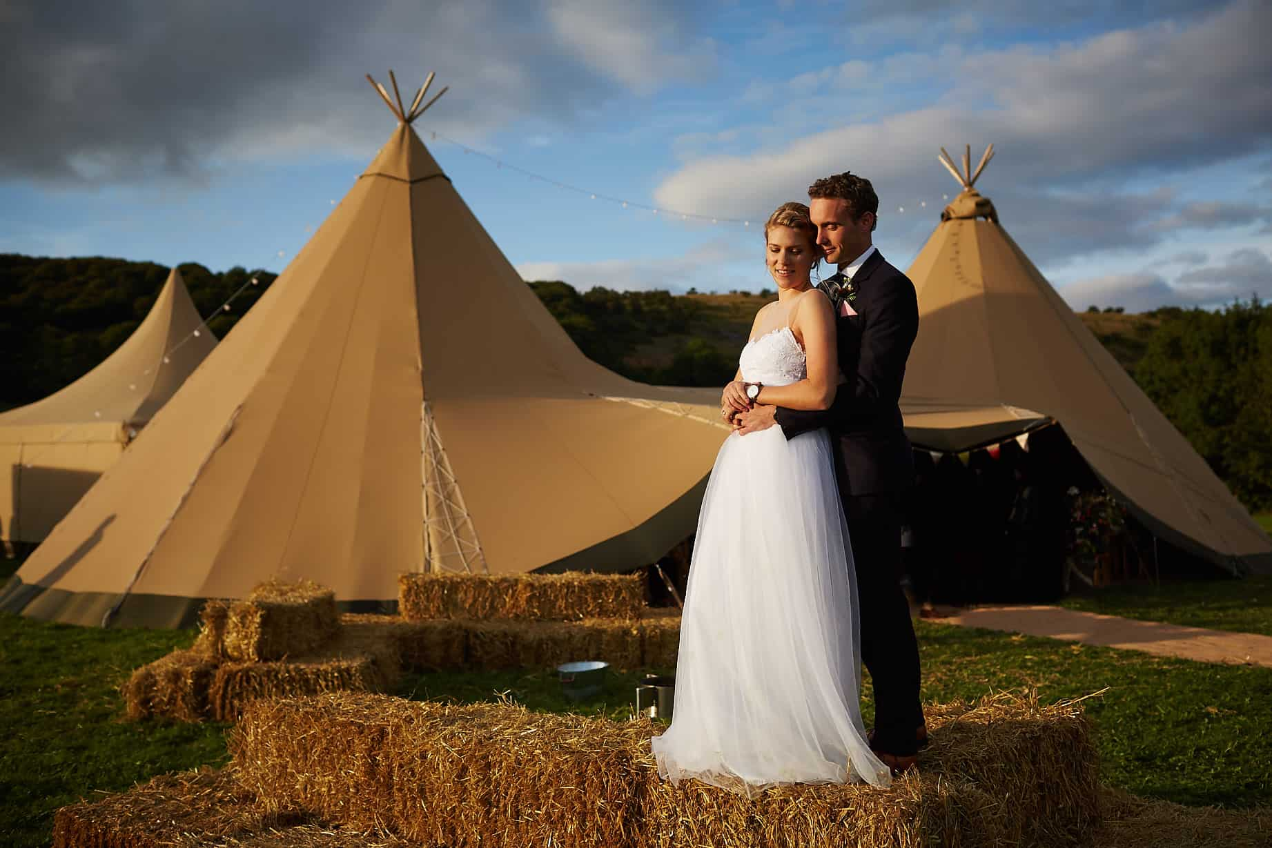 Tipi Hire outdoor wedding - Sami Tipi Wedding captured by Ben Pollard