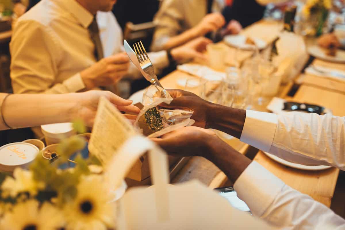 picnic baskets - Sami Tipi Wedding Hire captured by Becky Ryan