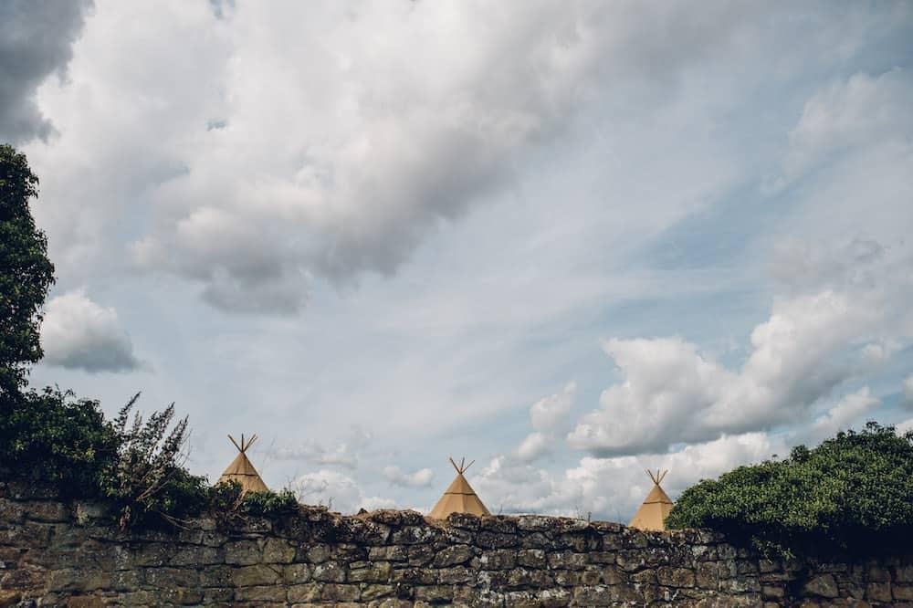 three peaks - Sami Tipi Derbyshire Wedding - captured by Matt Brown Photography