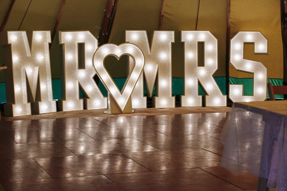 Light up letters - Sami Tipi Wedding - Image by Kathryn Edwards