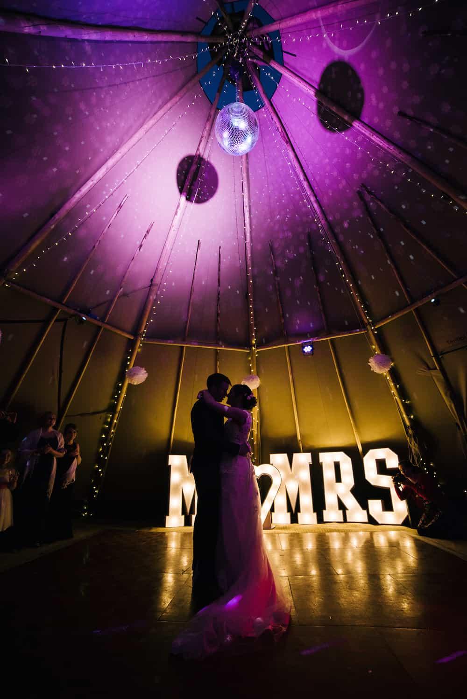 Katherine & Jack Sami Tipi Wedding Captured by Kathryn Edwards 00050