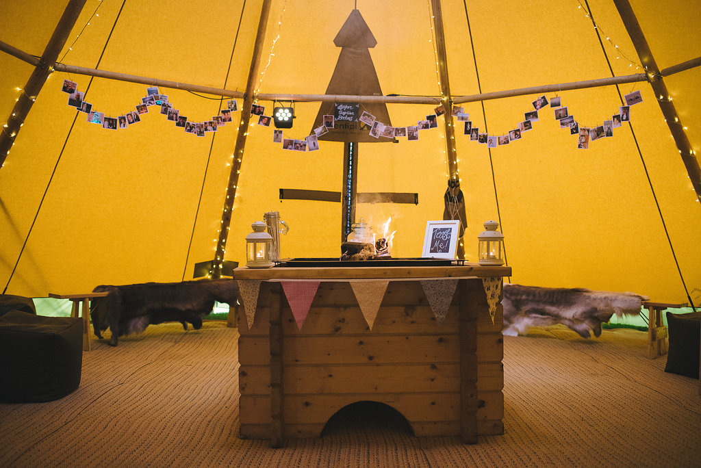 Chill-out tipi and fire pit sami tipi