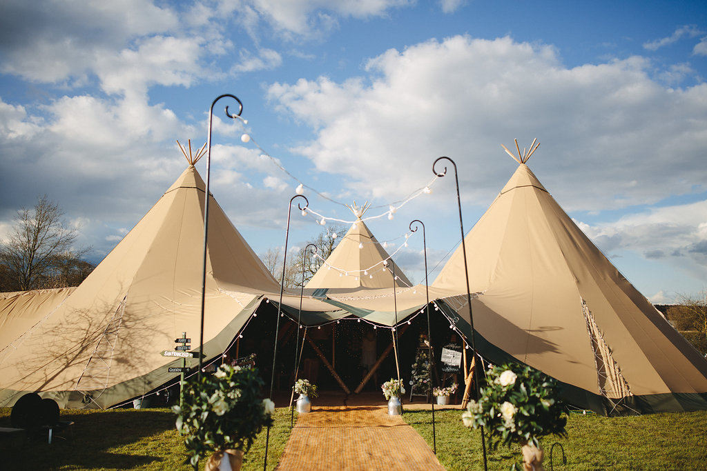 Spring Tipi Wedding at Bawdon Lodge Farm