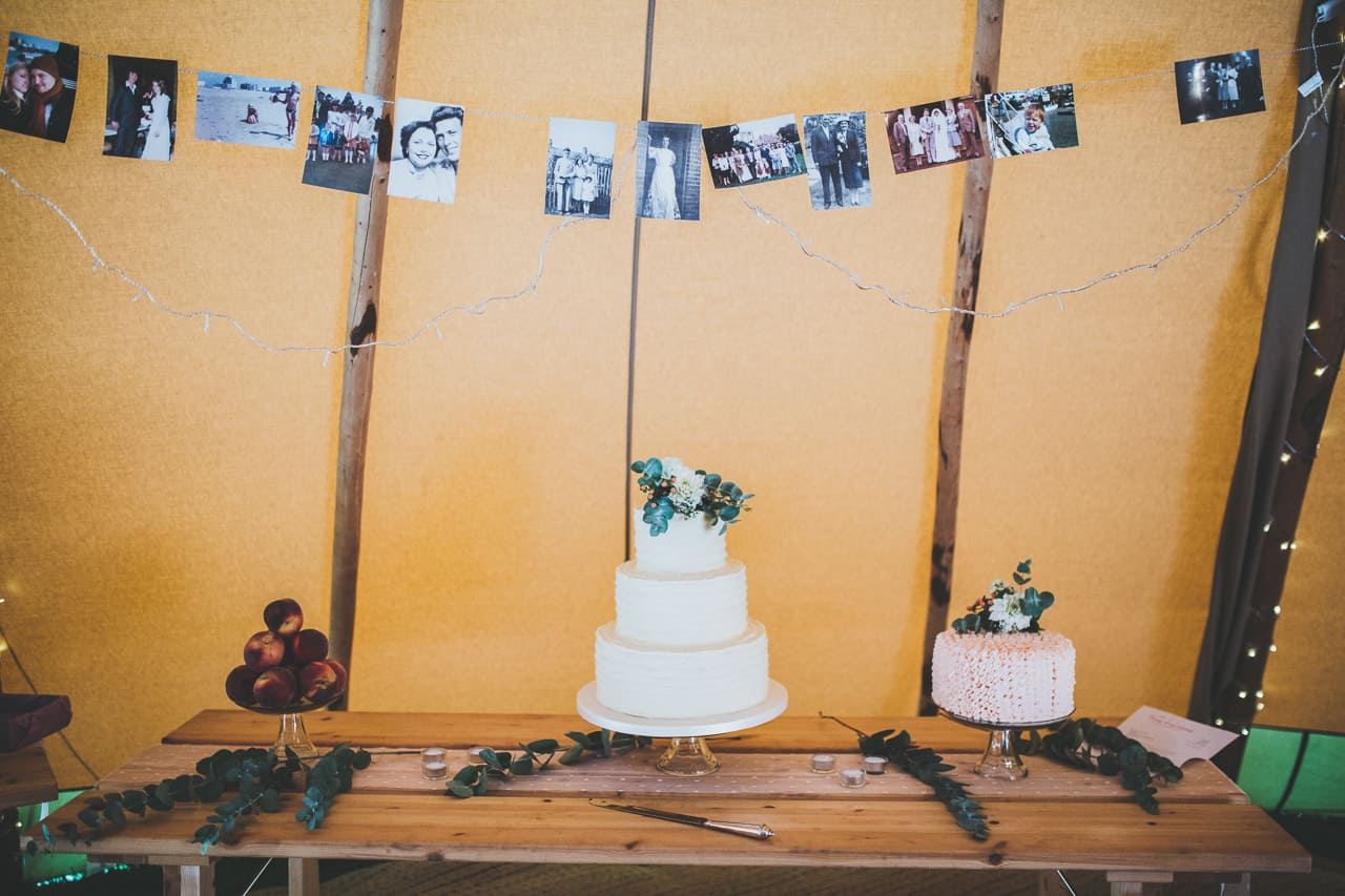 dessert table - Sami Tipi wedding by Frankee Victoria