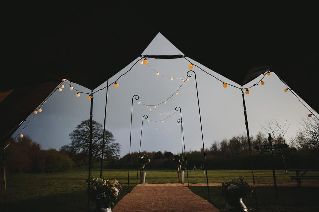 embracing the great british weather - Sami Tipi Wedding by london-weddingphotographer