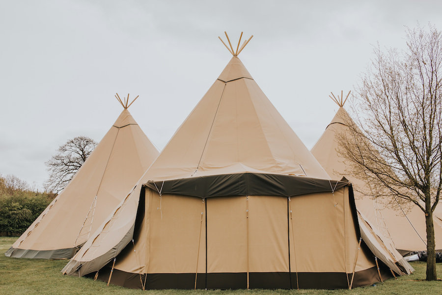 Band/Bar extension - Sami Tipi Showcase captured by Ed Brown Photography