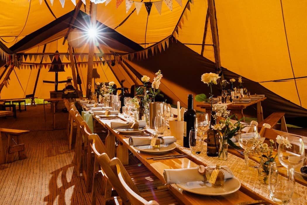 Hayley & Chris's Sami Tipi Wedding captured by Humpston & Bull269