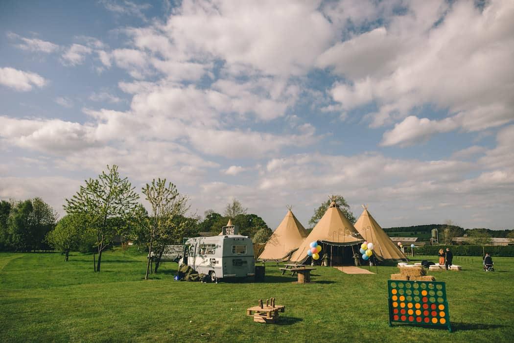 Spring Tipi Wedding at Bawdon Lodge Farm