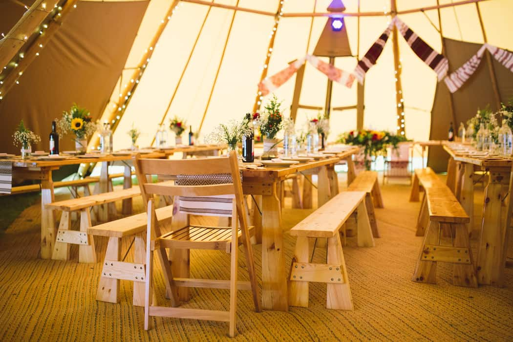 200 Guests seating in 4 giant hat tipis