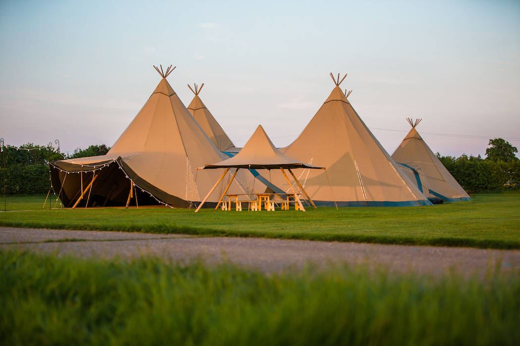 4 Giant Hat with Chill-Out Tipi Set up by Chris Terry 1