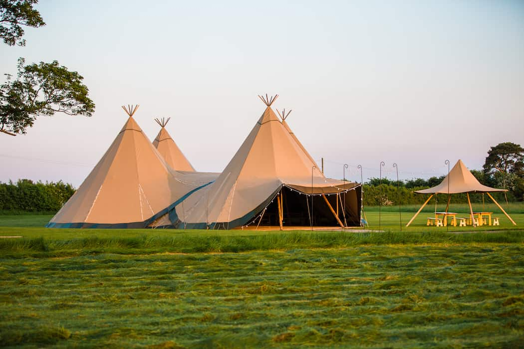 4 Giant Hat with Chill-Out Tipi Set up by Chris Terry 3