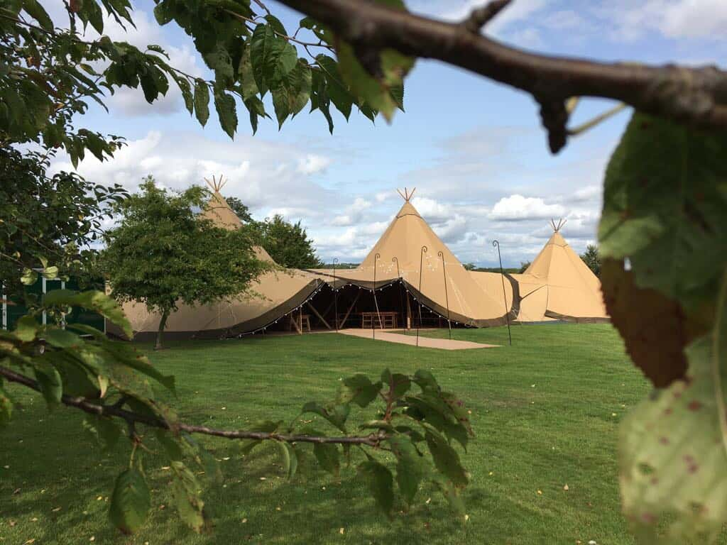 Sami Tipi | 2 Giant Hats and chill-out Tipi 1