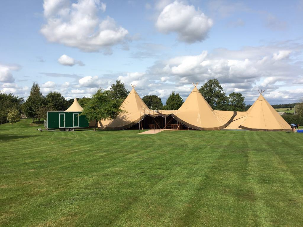 Sami Tipi | 2 Giant Hats and chill-out Tipi 4