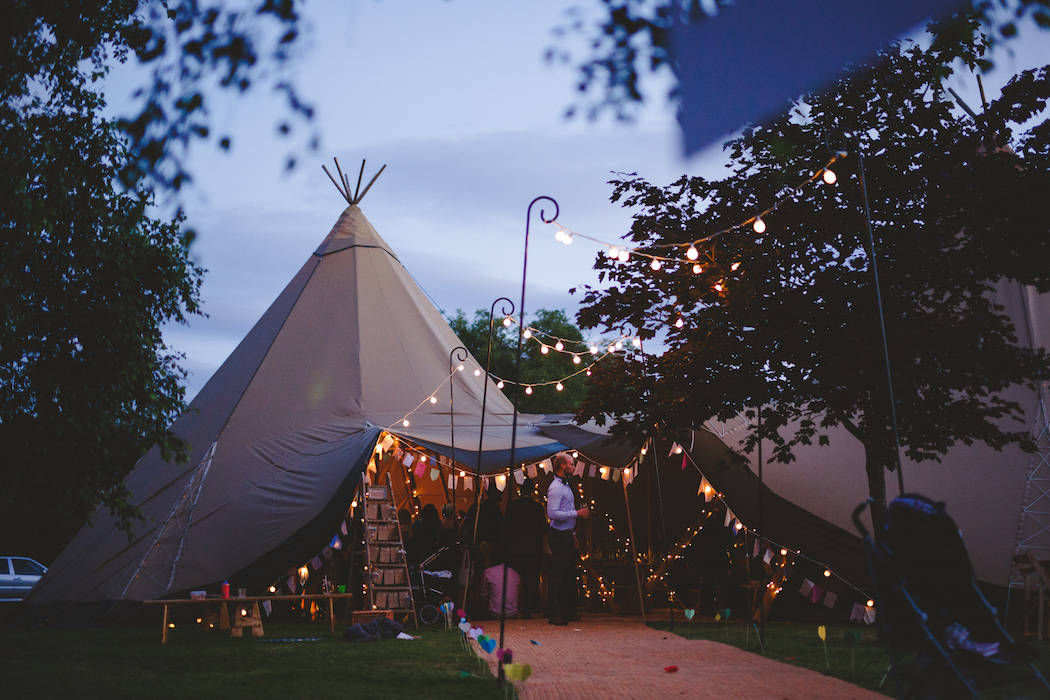 Real Tipi Weddings: Shiningford Manor Wedding Weekend