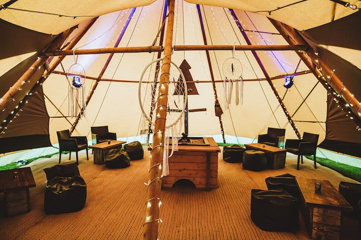Relaxed Chill-Out Tipi - Sami Tipi Wedding