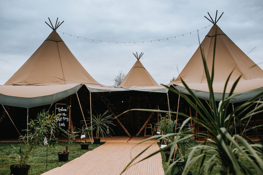 Scandi Meets Tropical Tipi Styling Inspiration | Sami Tipi| Styled by Tickety Boo Events | Image by Ed Brown Photography