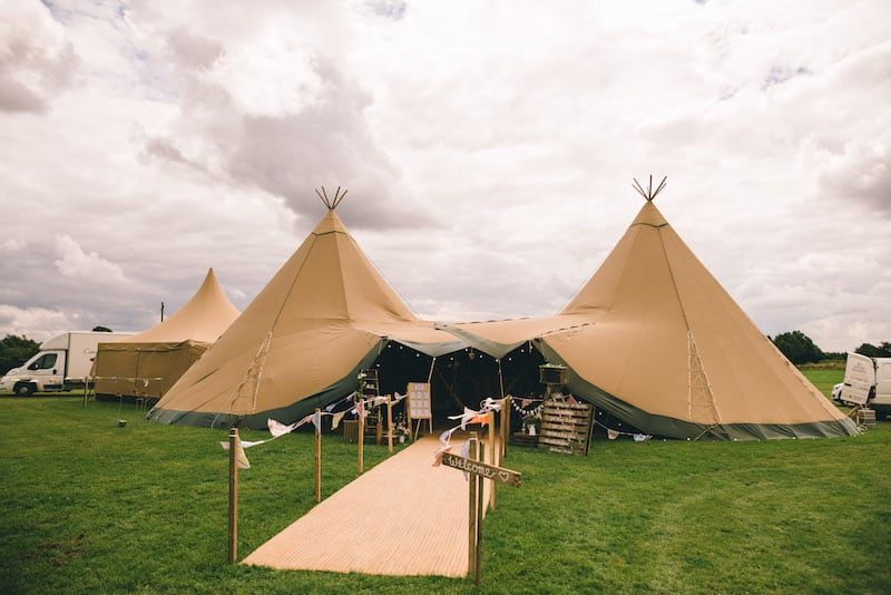 Sami Tipi | Cattow Farm Wedding | images by Matt Brown Photography12