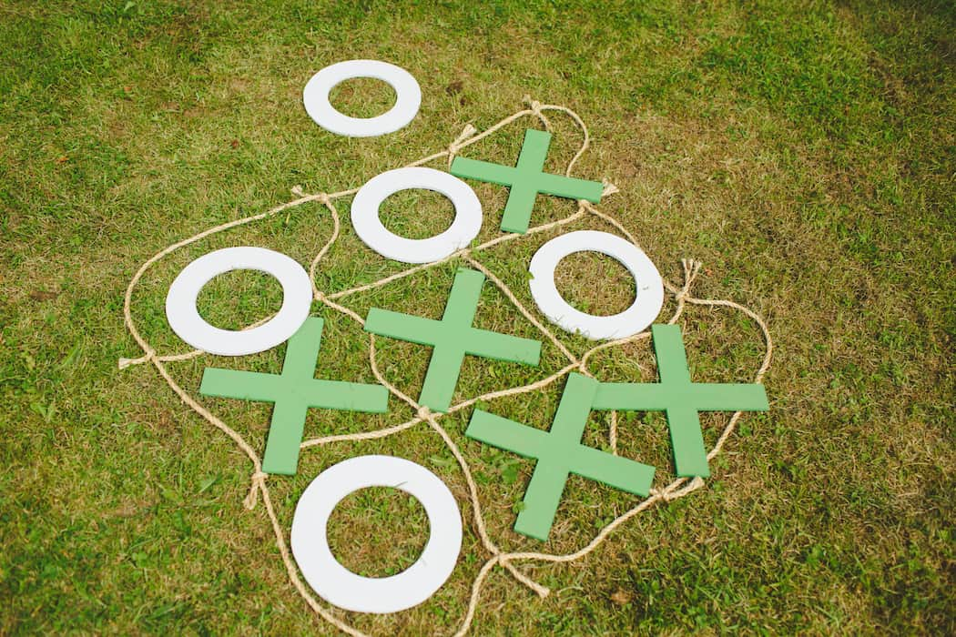 Entertaining children at weddings with outdoor games - diy o's & x's
