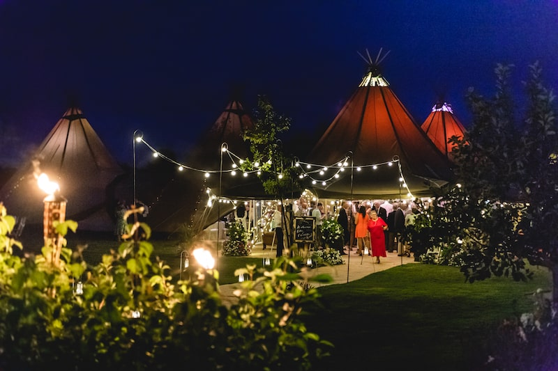 Sami Tipi 5 Giant Hat Tipi Wedding Images by SMD Photography640