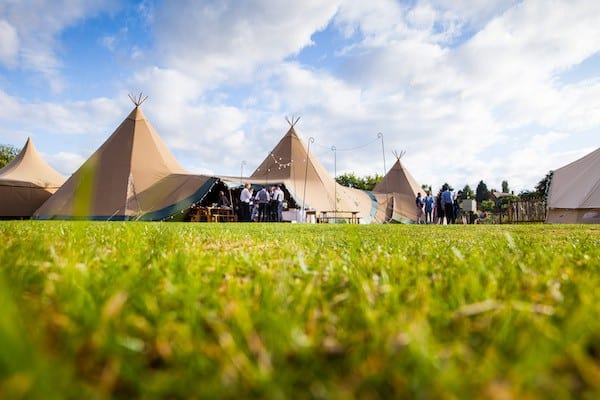 Real Wedding in Two Giant Hats and Chill-Out Tipi