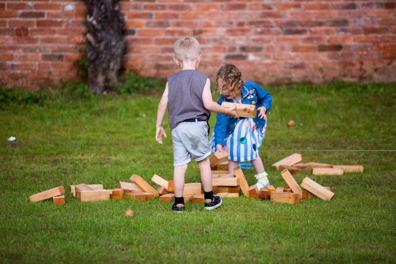 Garden games for your outdoor wedding entertainment