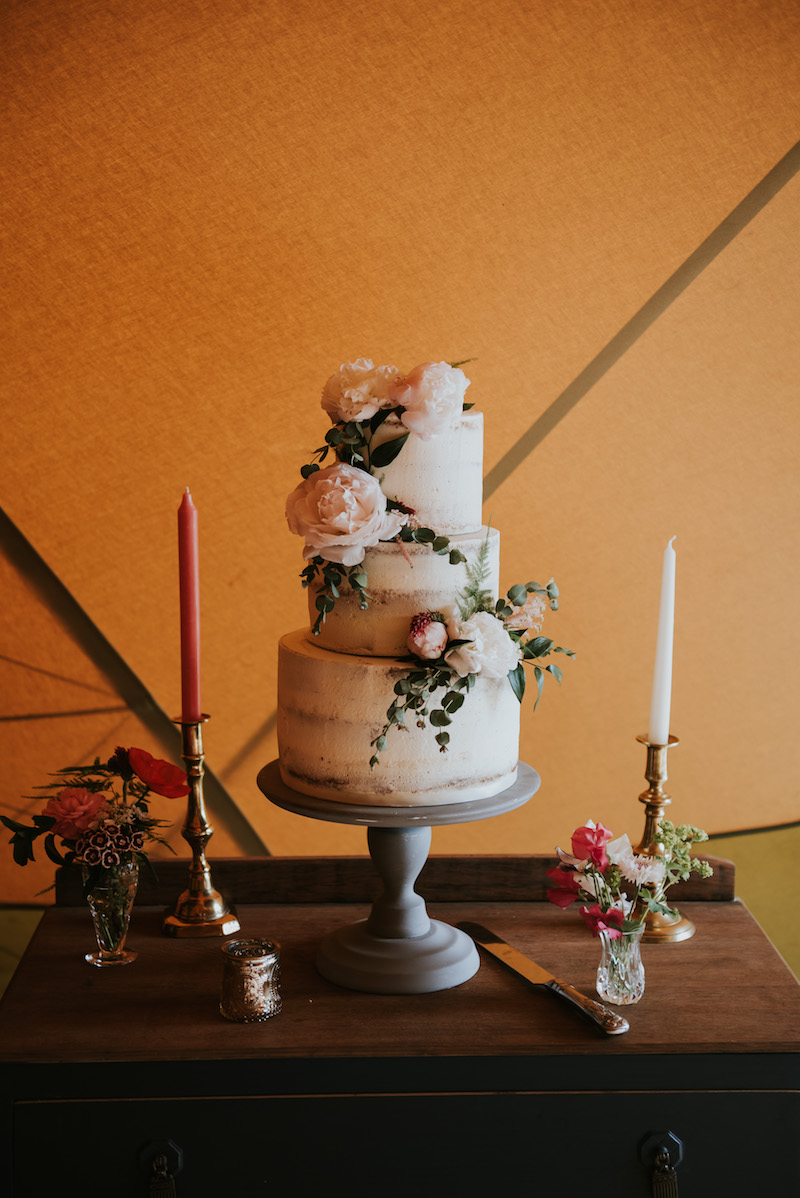 Frosted wedding cake by Emma at Hello Cake. Simple yet elegant