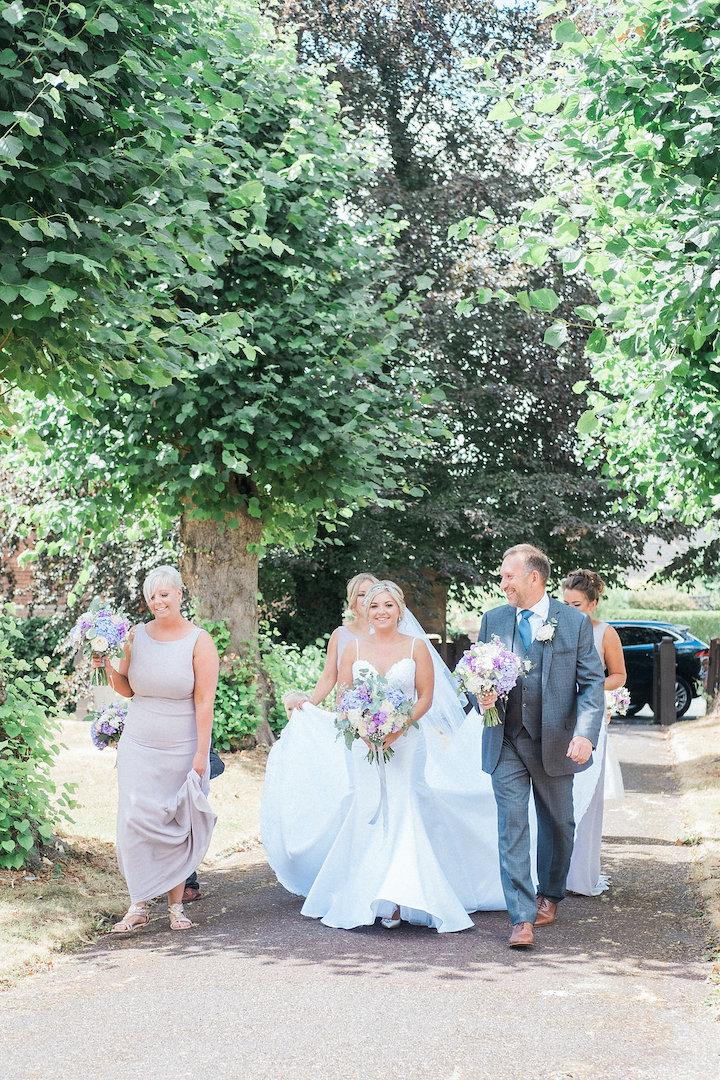 bridal party arriving at church