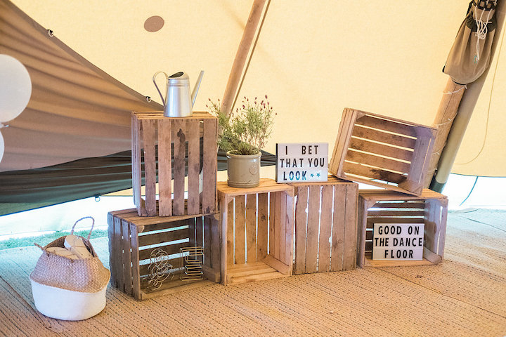 Rustic tipi styling