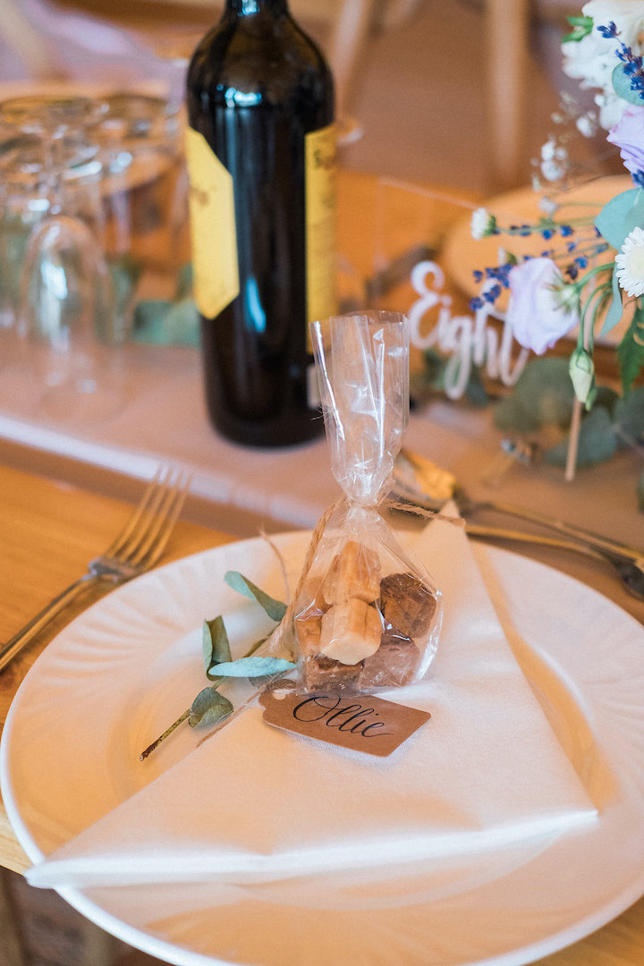 place name and favour styling ideas